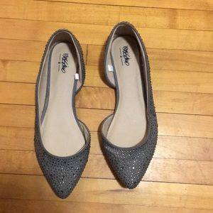 Silver Sparkly Pointed toe Flats// Mossimo